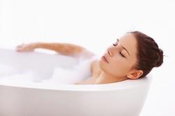 Прием горячих ванн перед очисткой почек
